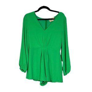 💜5/$25💜 DeJaVu Trendy Green Romper Sz M